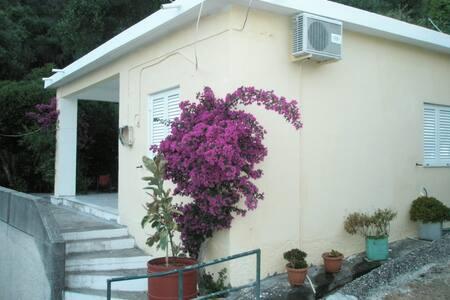 Faliraki private house for 4 - Mpenitses - Casa
