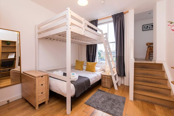 Large Studio Sleeps 4 Next To Portobello Market