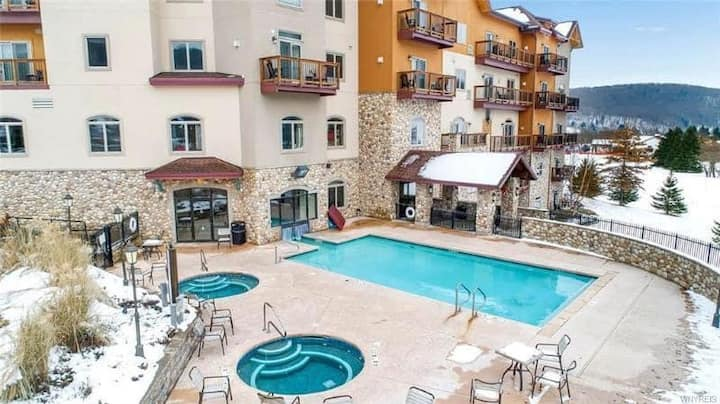 Beautiful ski-in / ski-out  1 Bedroom condo