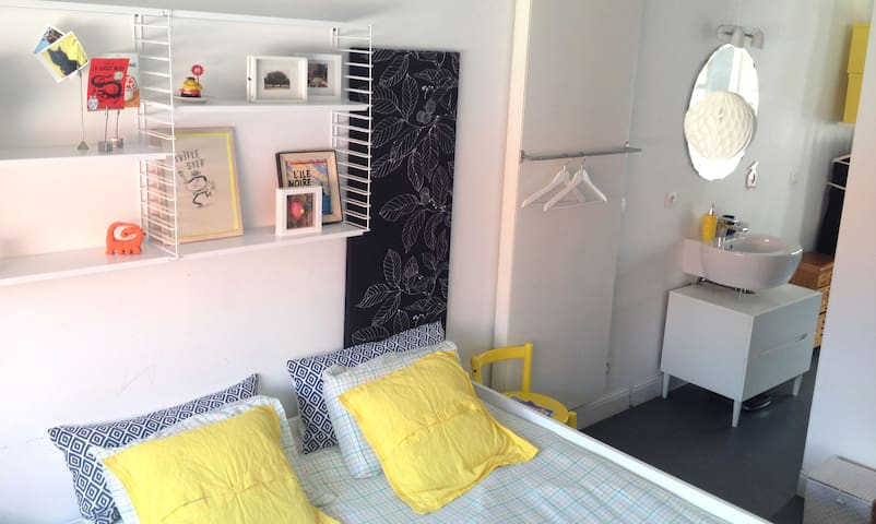 Cozy Room With a Private Shower - Lgtb Friendly - Gent - Haus