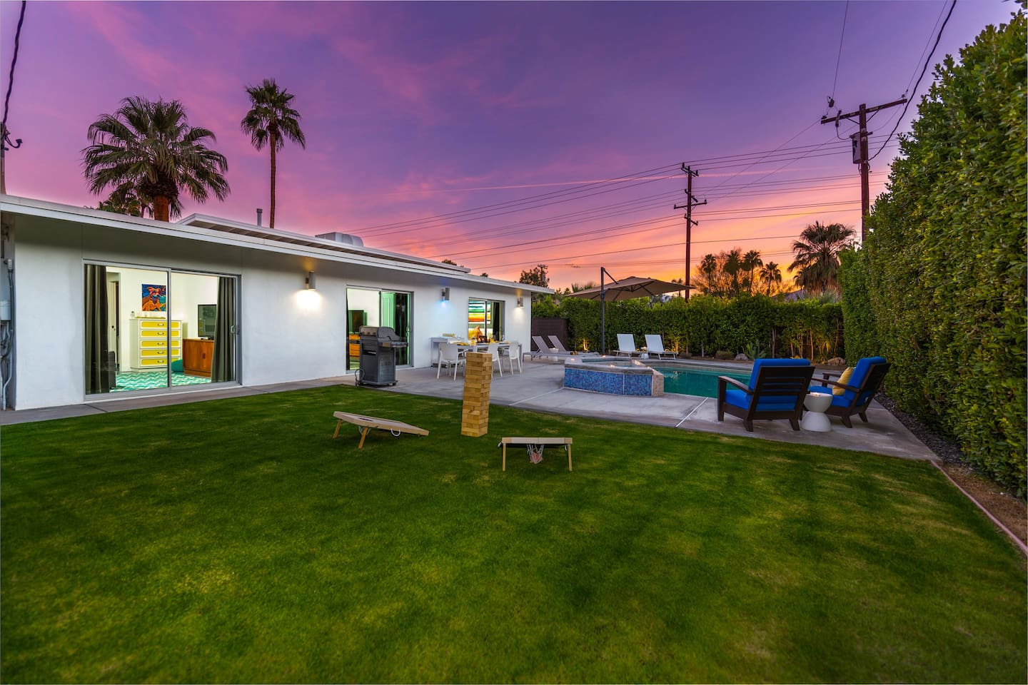 Your Palm Springs vacation awaits