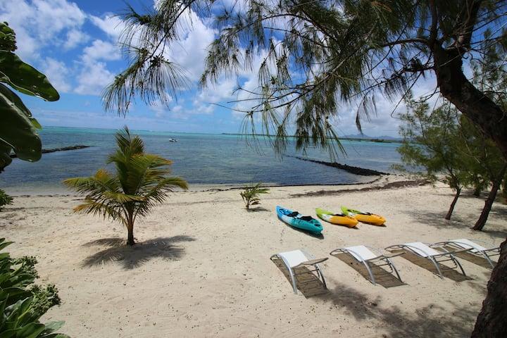 2 BR Beachfront Villa & 2 pools in Poste Lafayette