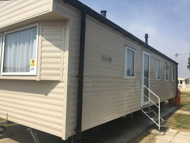 3 bedroom gold plus standard caravan