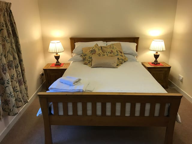 Aurora 4* Guest House with breakfast included(R8)
