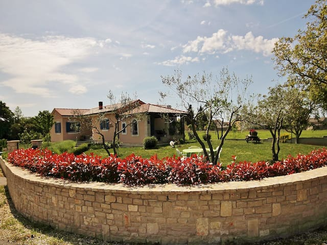 HOLIDAY HOUSE LICO - Juršići - Villa