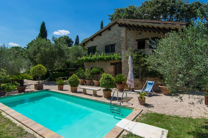 Beautiful Private Montefalco Villa - Montefalco - Villa