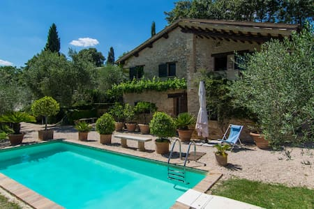 Beautiful Private Montefalco Villa - Montefalco