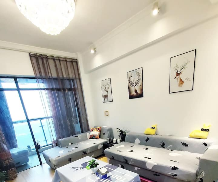 华人易居翰林公寓(温馨阁)一室一厅一卫