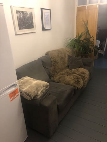 Large, bright room in vibrant East London