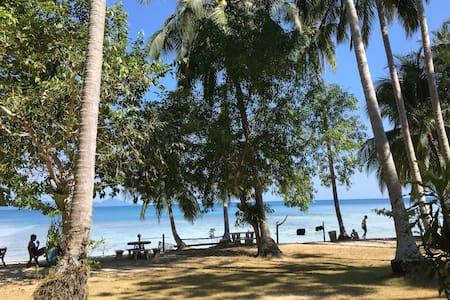 Ao Niang Beach Resort@koh kradan(Room M)