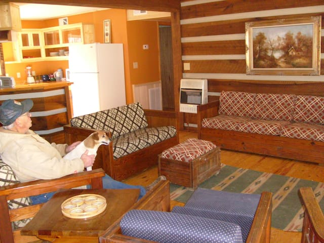 6 BR lodge near Roanoke & Lynchburg