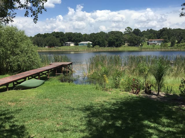 Charming Lakefront Suite - Clermont