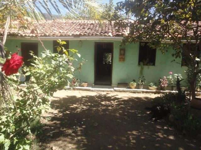 Cozy house restored. - Caeté-Açu-Palmeiras