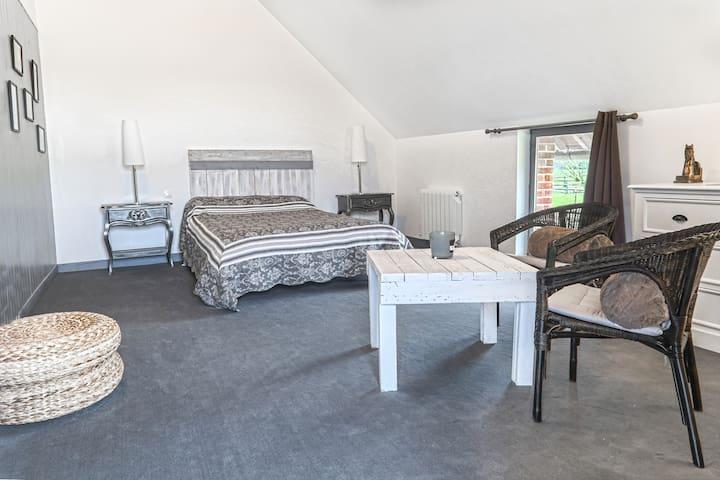 Grande Chambre / Spa au Haras à 20m de Deauville