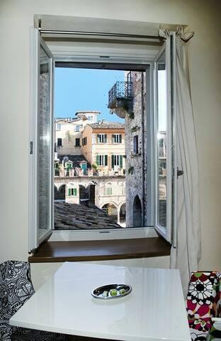 Vista su Piazza del Popolo! LeTravi - Ascoli Piceno - Oda + Kahvaltı