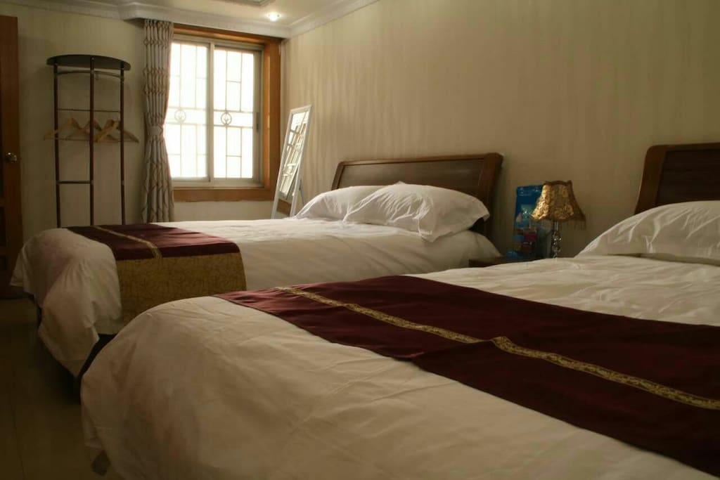 大房间有两张1.5米的床