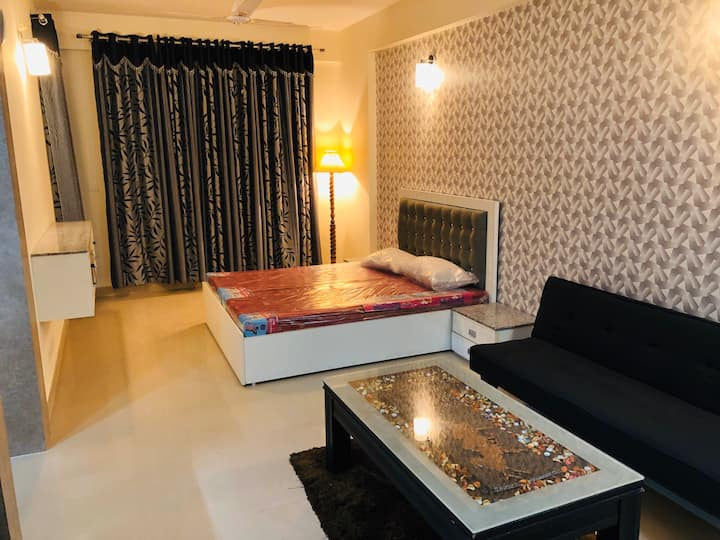 Fully Furnished and Comfortable Studio Apartment