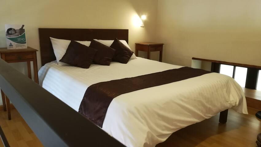 Cómodas habitaciones con antigüedades, Tv, Netflix, WiFi, caja de seguridad. Casa Hotel Aroma 406 en Puebla