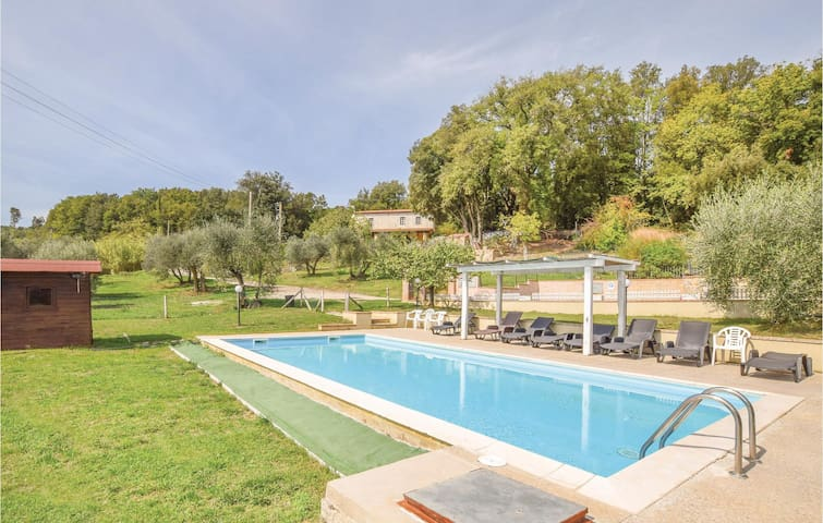 Holiday cottage with 2 bedrooms on 110m² in Monteverdi M.mo PI