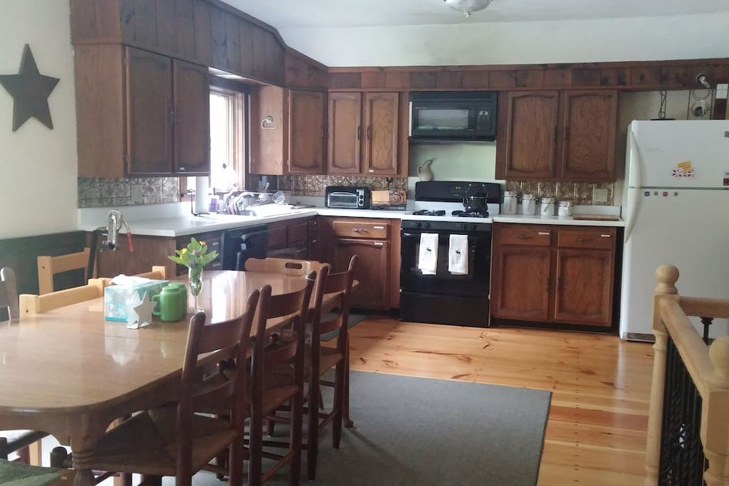 Spacious Kitchen with seating for 8