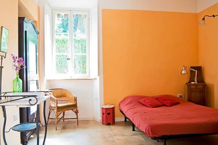 Two calm double rooms