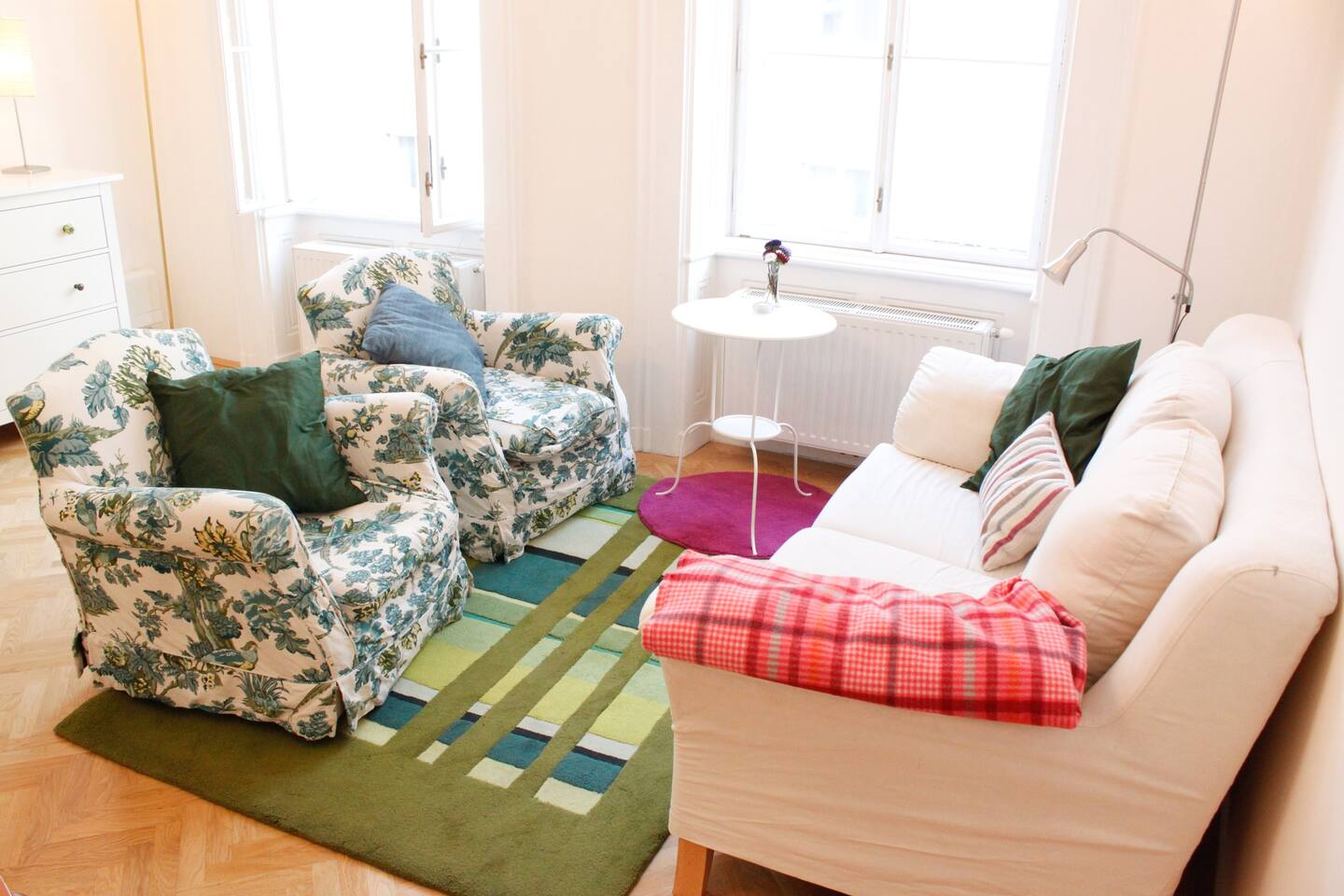 Love our couch corner and chill after a day of sightseeing.