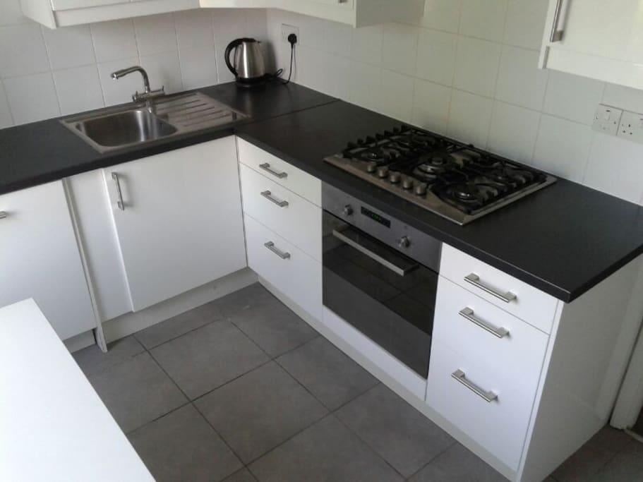 Fully fitted kitchen with dish-washer and all the forniture