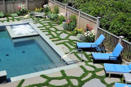 Tom Nevers Bluff, Pool/Spa/AC, Views, 2-MBRs, Jeep