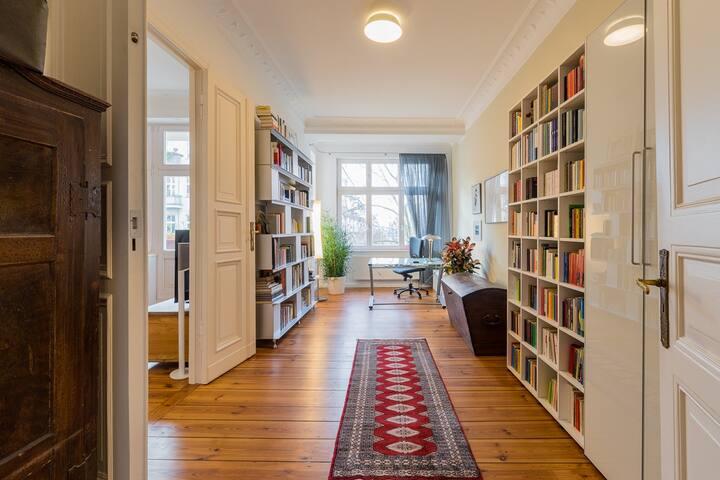 Stylish Spacious Apartment in Prenzlauer Berg