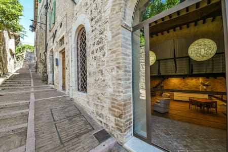 Assisi- loft minimal chic 2-4 beds - Assisi - Daire