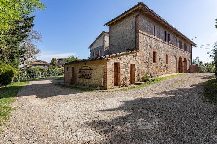 Sparkling Farmhouse in Ville di Corsano with Private Terrace
