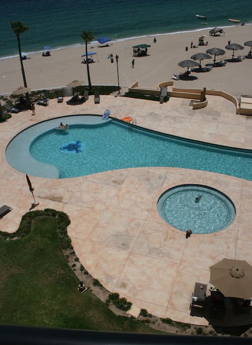 Pool below… there are 3 adult pools and 3 separate kiddie pools in the resort