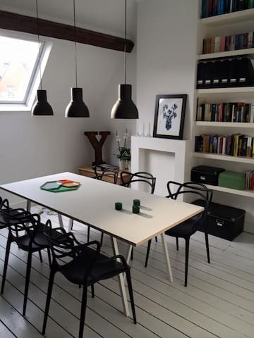 Cosy room in perfectly located loft - Antwerpen - Apartment