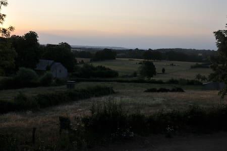 """Studio """"à la ferme"""" aux portes du Morvan"""