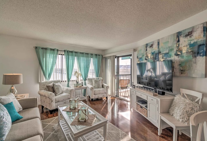 Waterfront Anna Maria Island Condo w/ Pool & Beach