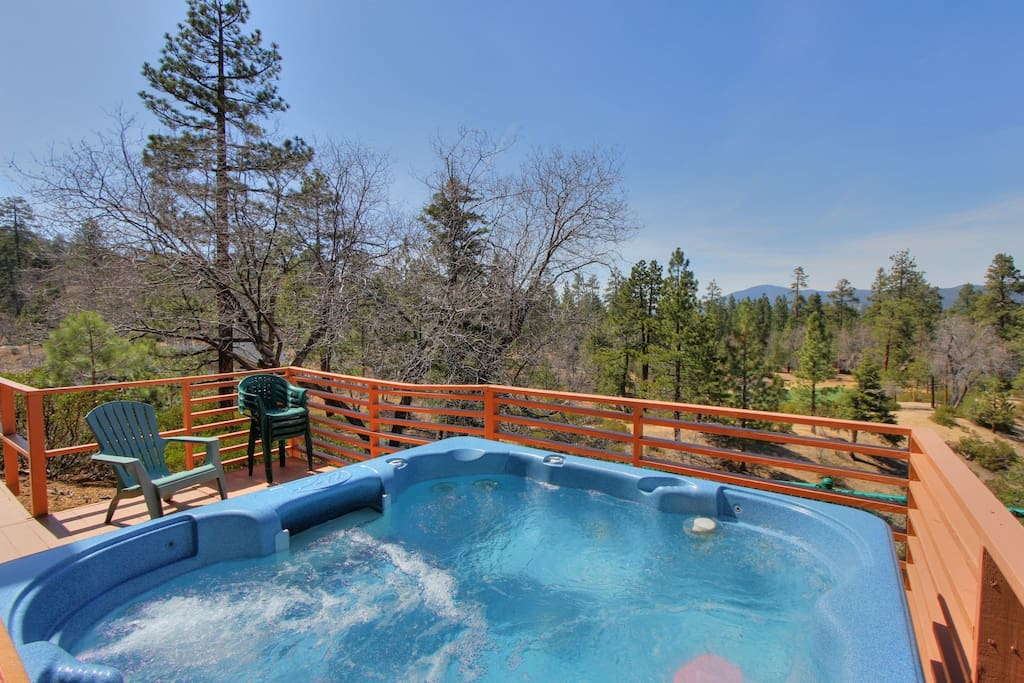 Log inn snow summit spa views cabins for rent in big for Cabin for rent in big bear ca