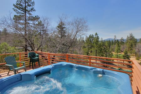 Log Inn: Snow Summit! Spa! Views! - Big Bear Lake - Cabin
