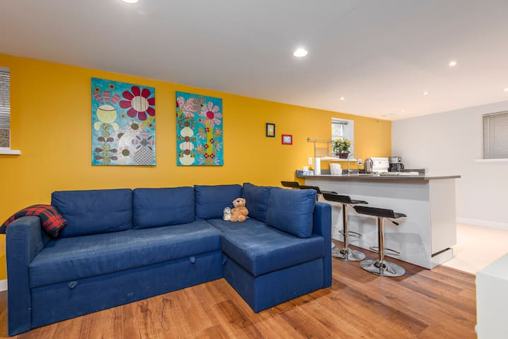 Spacious 2-bedrooms in West Point Grey