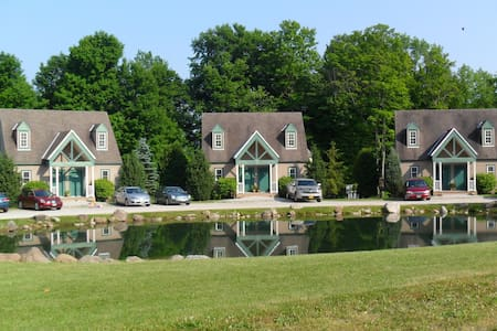 Spruce Hill Inn & Cottages - Mansfield - Villa
