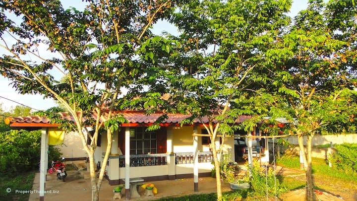 Holiday House on the Phraphutthabat Plateau