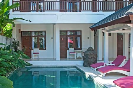 Lombok Senggigi Hotel - Stand' Rm 1 - Central Senggigi  - Bed & Breakfast