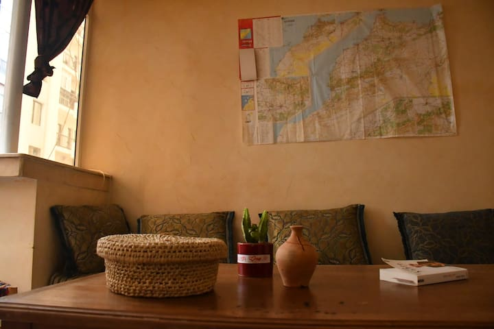 Cosy room in the Center of tangier/2min Beach/wifi