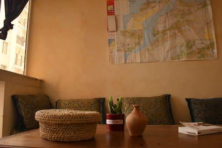 Nice Double room in center tangier/2min Beach/wifi