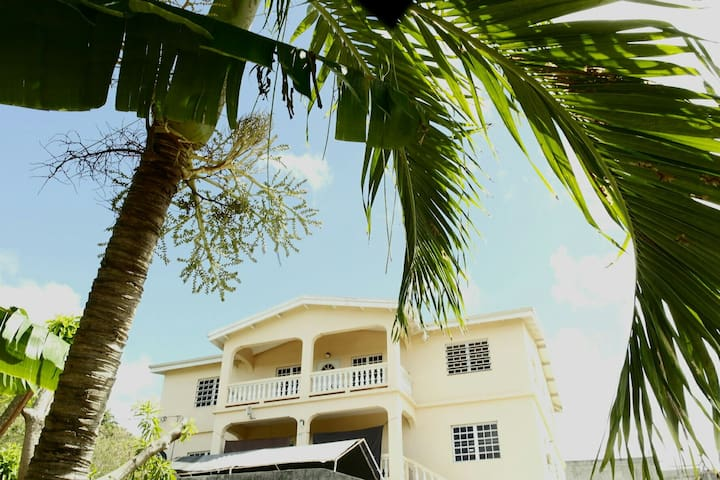 Bright & Breezy @ Heart of St. Croix| Now with AC!