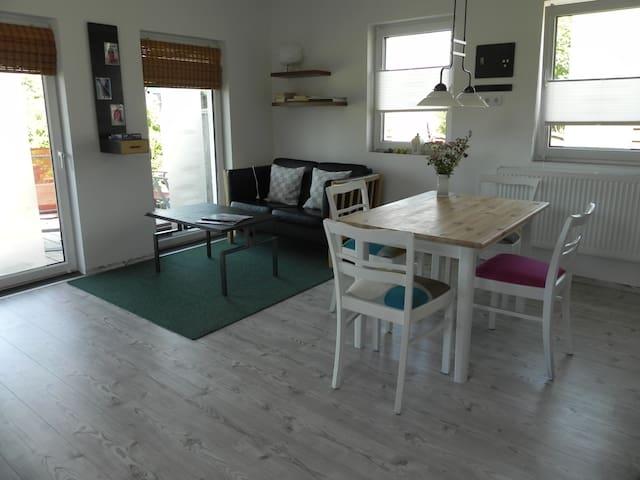 Schöne Whg. mit Terasse u. Garten - Flensburg - Apartment