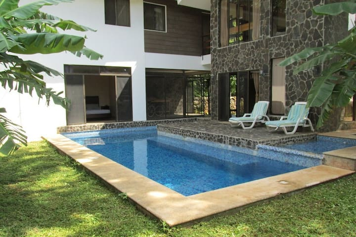 Beautiful Tropical Tamarindo Home - Villareal - Casa