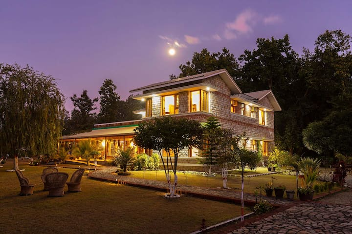 Orchard Bungalow - DISINFECTED BEFORE EVERY STAY