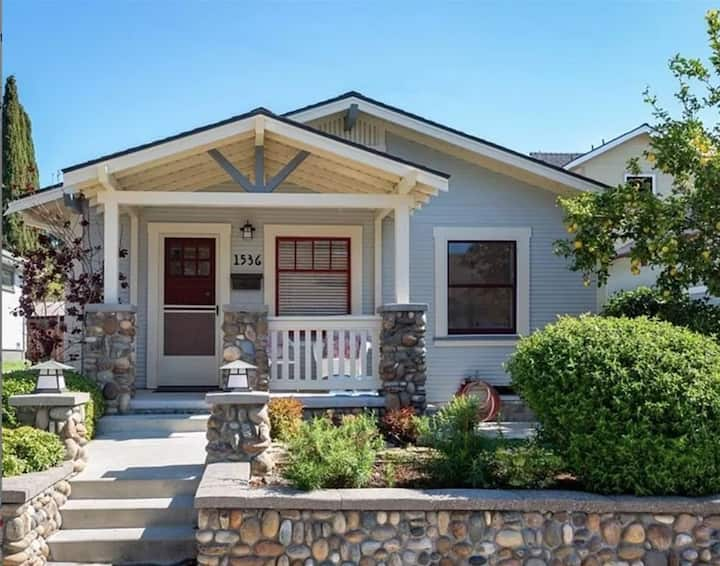 Cozy Historic Craftsman Bungalow
