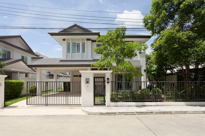 2BR Private & Peaceful house - Chiang Mai - House