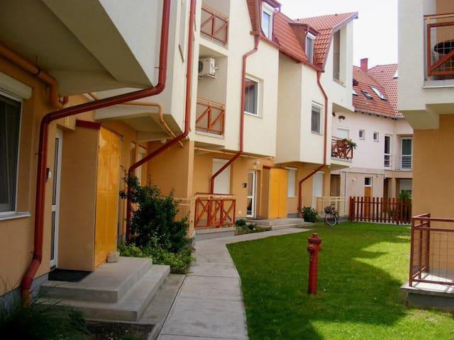 Csilla Apartman - Hajdúszoboszló - Lejlighed